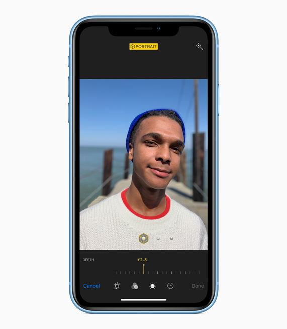 iPhone XR showing full screen image.